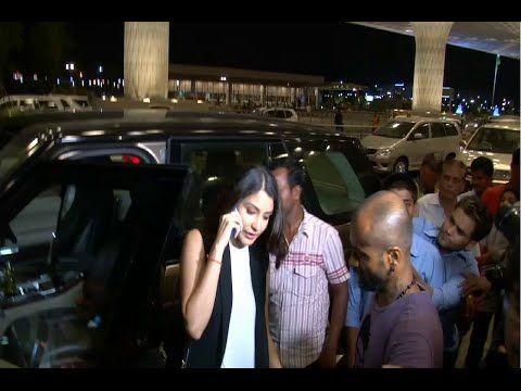 WATCH Anushka Sharma at Mumbai Airport leaving for IIFA Awards 2015. See the full video at : https://youtu.be/DHw5ypwAYaA #anushkasharma #bollywood