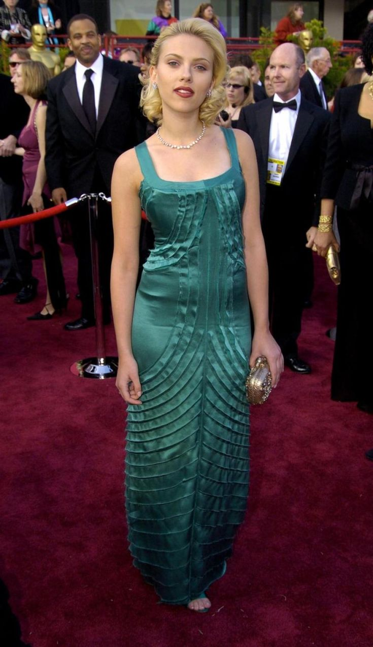 See the stars at their first Oscars vs this year - NY