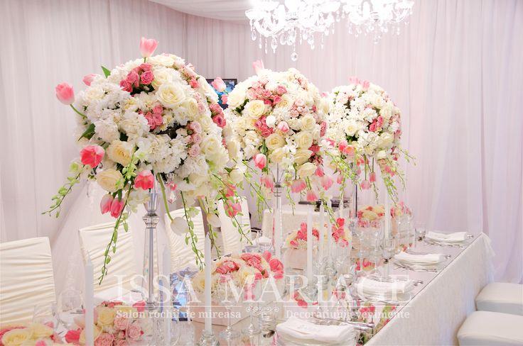 Aranjamente florale nunta candelabre falduri tavan decorate IssaEvents 2017