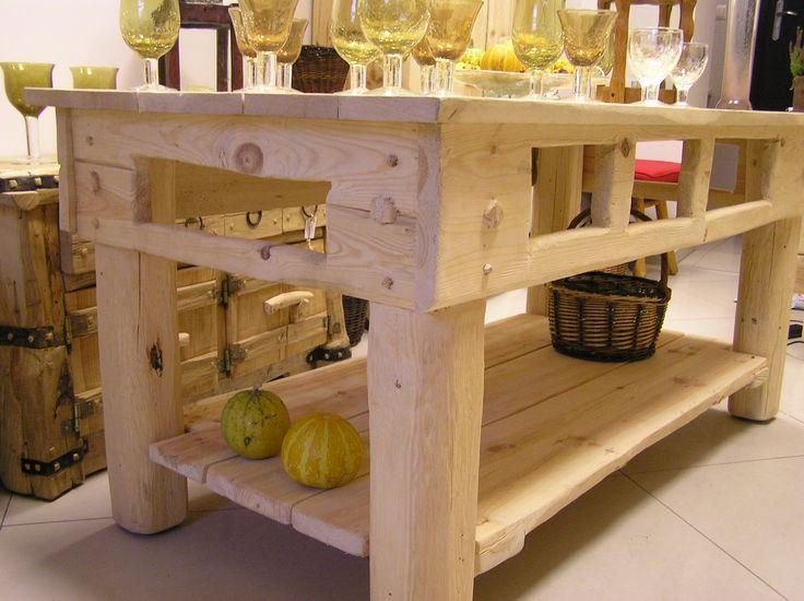 wooden tables www.art-galeria.olsztyn.pl