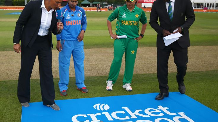 Mithali Raj of India and Sana Mir of Pakistan take part in the coin toss during the 11 th ICC Womens World Cup match between India and Pakistan on 02/07/2017.