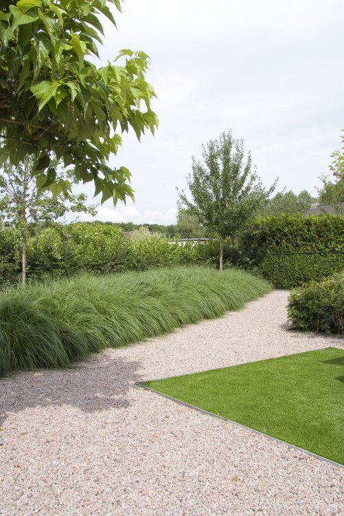 tuinen met starke vormen maar ook weer leuk om overhangde grassen