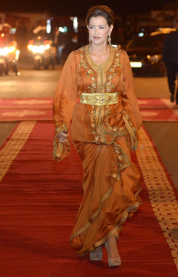 L'élégant caftan de Lalla Meryem lors du dîner royal du FIFM. ORANGE BRULE