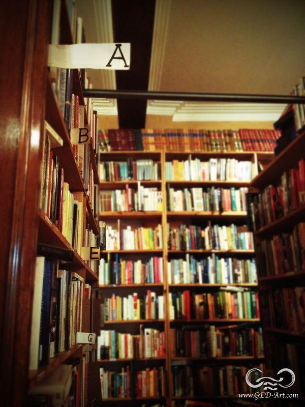 Archive's Fine Books, Brisbane CBD. #Lovebooks #reading #bookstore #bookshops #Brisbane #cosy