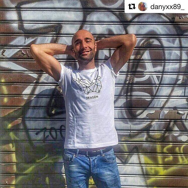 #like4like #tshirt #dshirt14 #dragon #drago #mensfashion #dshirt #origami #menswear #fashionblogger #mensfashion #handmade #etsyshop #etsy #urbanfashion #urbanwear #mensfashion #menswear #urbanlife #menstyle #streetsyle #fashionstyle #designedshirt #de_sign_ed_shirt