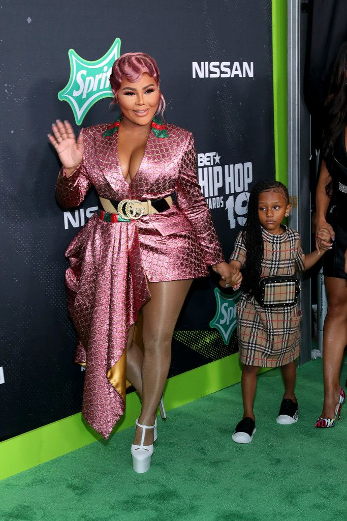 Lil Kim And Daughter Attend The Bet Hip Hop Awards Lil Kim Lil Kim Daughter Hip Hop Awards 18.08.2020 · lil' kim's little daughter. lil kim and daughter attend the bet hip