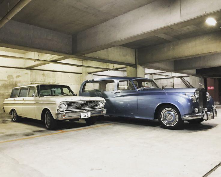 1957 ロールスロイス シューティングブレイク と、1965 フォード ファルコンワゴン 1957 Rolls Royce Shooting Brake+1965 Ford Falcon wagon.  #ロールスロイス #ロールスロイスワゴン #シューティングブレイク #shootingbrake #wagon #中目黒 #アメ車 #ビンテージカー #vintagecar #oldcar #classiccar #midcentury #midcenturyhome #midcenturylife #ギャレットインテリア #エンスー #americanmotors #インテリアショップ #家具屋のロールスロイス #ford #falcon #fordfalcon  #falconwagon #フォードファルコン #ファルコンワゴン #フォード #surfwagon