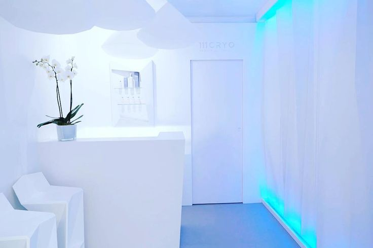 Reception room in #111 #cryo designed by @2kulproject #interiordesign #white #beauty #healthy #retailtherapy #retaildesign #aurora #glacier #health #picoftheday #instabeauty #luxury #instalife