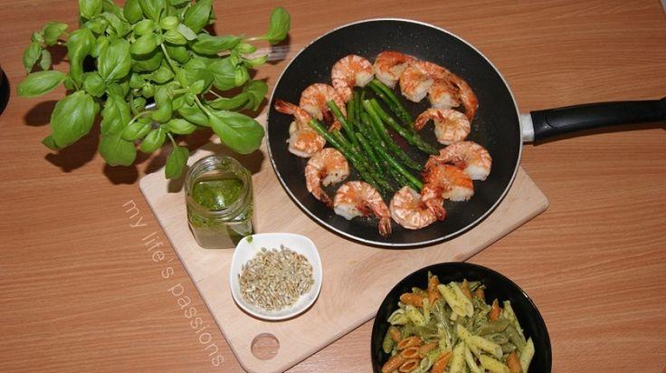 (3/3) makaron w 15 minut: z domowym pesto/ pasta in 15 minutes: with pesto sauce