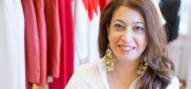 Irina Markovits, style coach & consultant de imagine, recomanda rochiile casual Izabela Mandoiu ca tinute potrivite pentru birou. Multumim! http://www.thetrends.ro/2015/12/07/tendintele-iernii-2015-in-garderoba-pentru-birou/