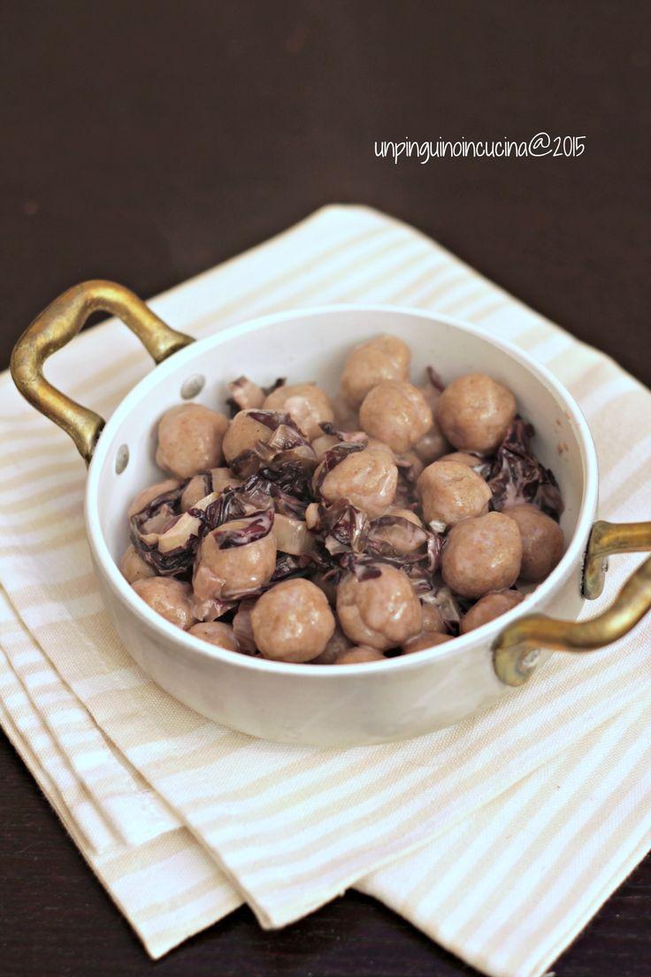 Chestnut Flour Gnocchi with Trevisano Radicchio and Blue Cheese - Gnocchi alla farina di castagne con radicchio e gorgonzola   Un Pinguino in cucina