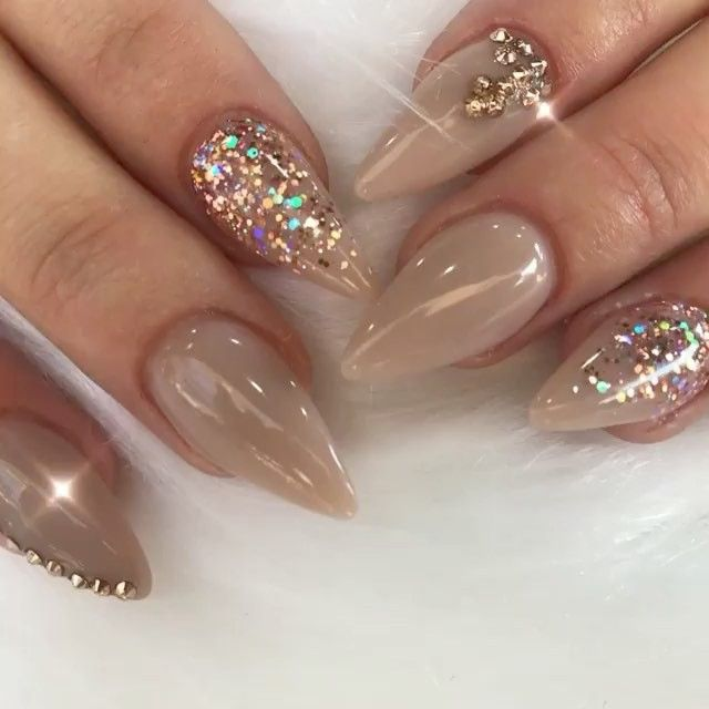 Gorgeous!#Repost @tammytaylornailsthegallery ・・・ Tammy Taylor Nails are the best!  Tammy Taylor Nails The Gallery uses the very best Nail Products in the world!! Made in the USA!  Book with us on (012) 2530182  #nails #nailswag #nailstagram #n