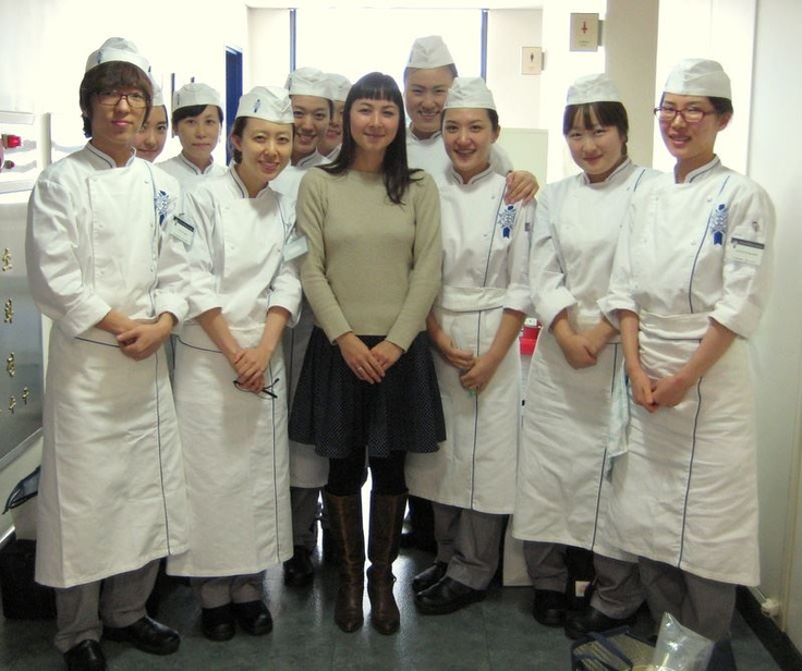 Marketing Manager Geneviève visited Le Cordon Bleu in Seoul and met with their students!