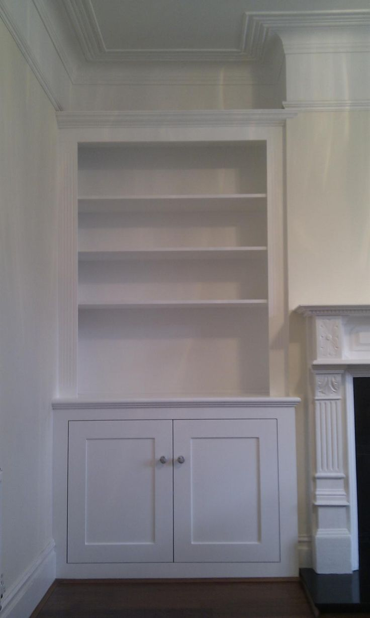This alcove unit is styled on a traditional dresser with cornice, fluted panels and period mouldings,