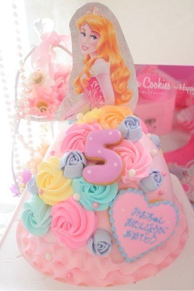 オーロラ姫ドールケーキ クレヨンしんちゃんケーキ ダースベイダーケーキ ダークニャンケーキ バズ