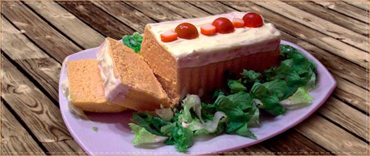 ¿Ya has probado nuestra deliciosa receta de pastel de merluza y palitos de mar? #receta  #nutrición #cocina