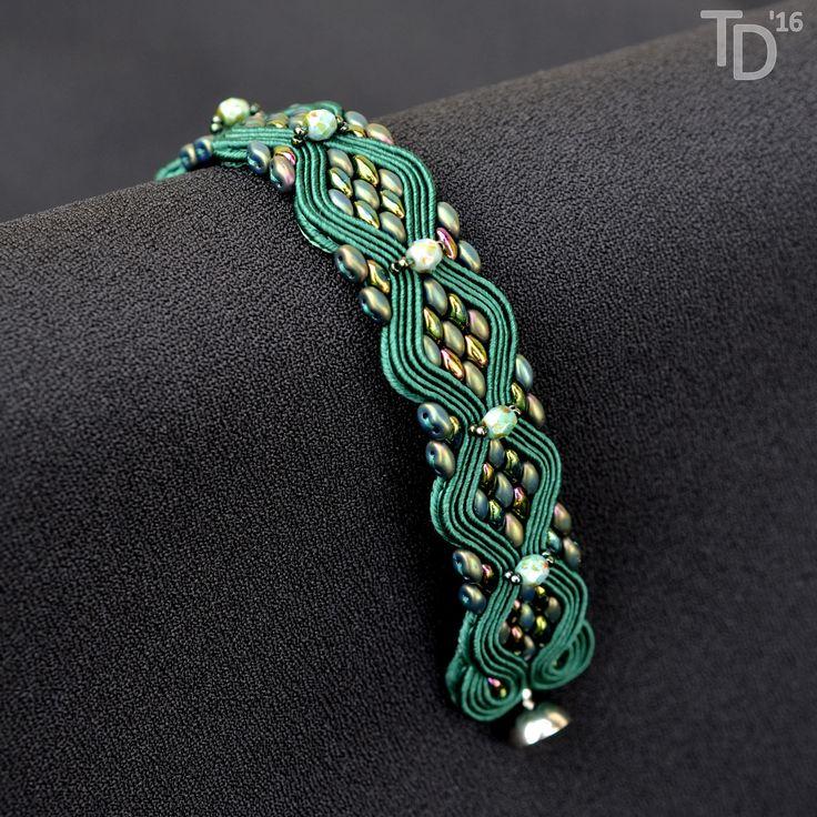 Emerald Snakeskin bracelet - TheTerezkaD