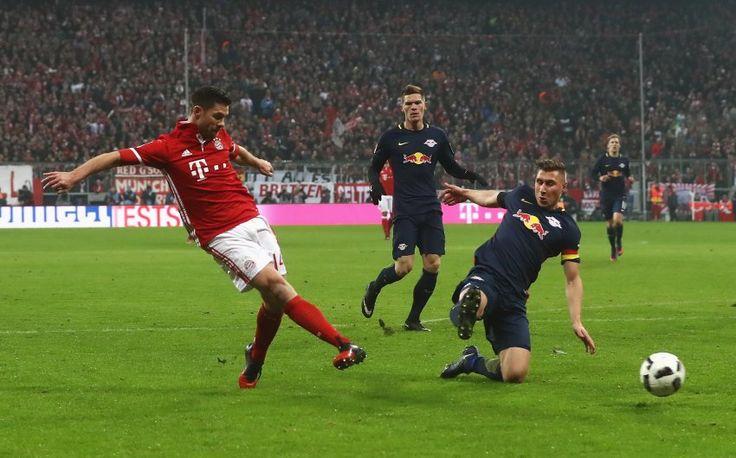 Bundesliga 2016/17 - 16.Spieltag -Spitzenspiel: Bayern München - Red Bull Leipzig 3:0 - Alonso trifft zum 2:0