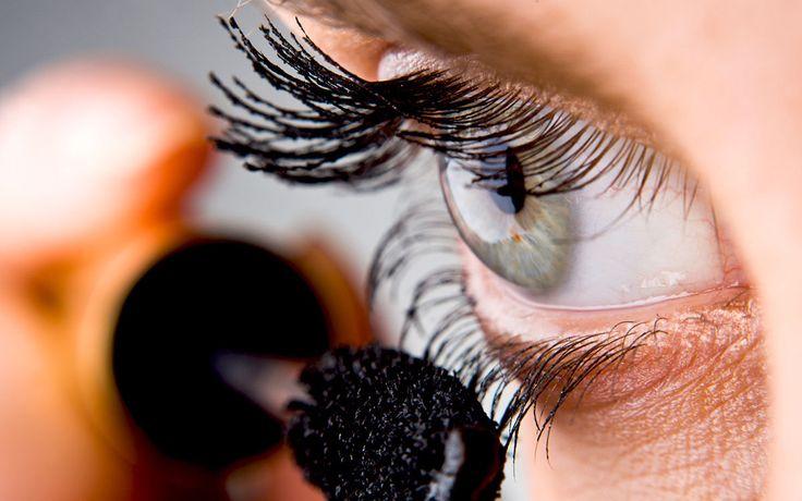Wir verraten fünf Tricks für den perfekten Augenaufschlag.
