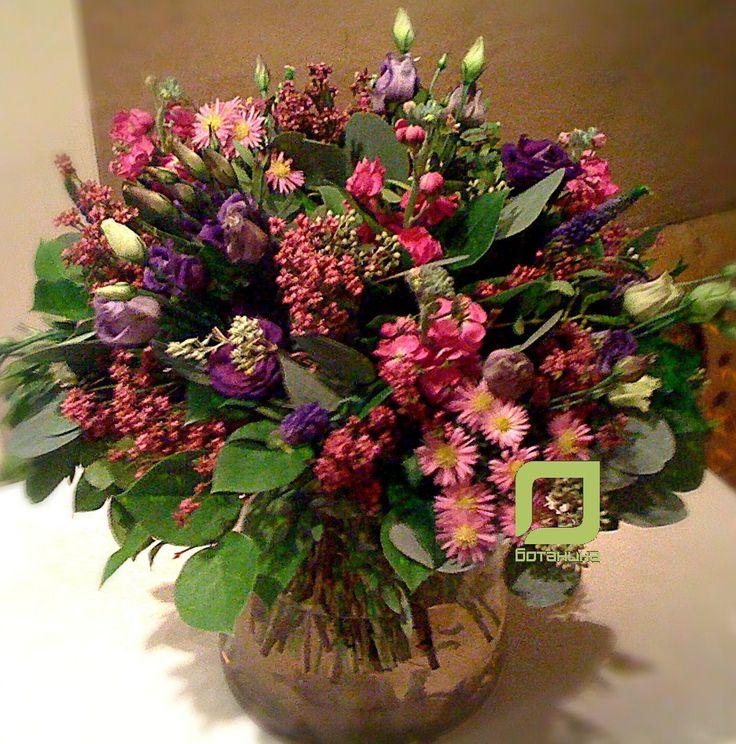Свежие цветы и красивые букеты с доставкой по СПб. Тел.: 947 40 57 http://www.botanika-spb.com/