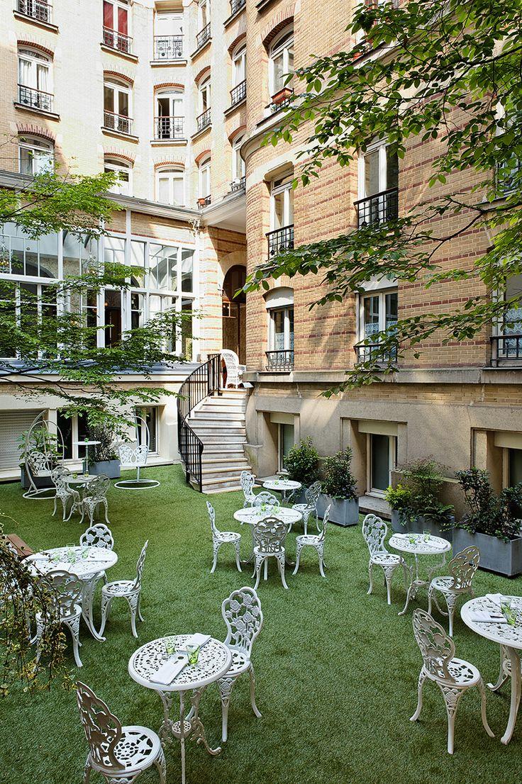 Un lieu plein de charme et d'histoire / An historical and architectural Restaurant les Climats, 41 rue de Lille