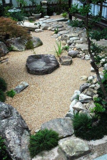 Sassi e rocce in giardino - Come creare un giardino roccioso in un angolo riparato del giardino.