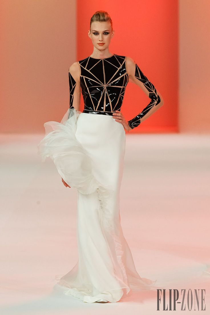 Stéphane Rolland Primavera-Verão 2014 - Alta-Costura - http://pt.flip-zone.com/fashion/couture-1/fashion-houses/stephane-rolland-4466 - ©PixelFormula