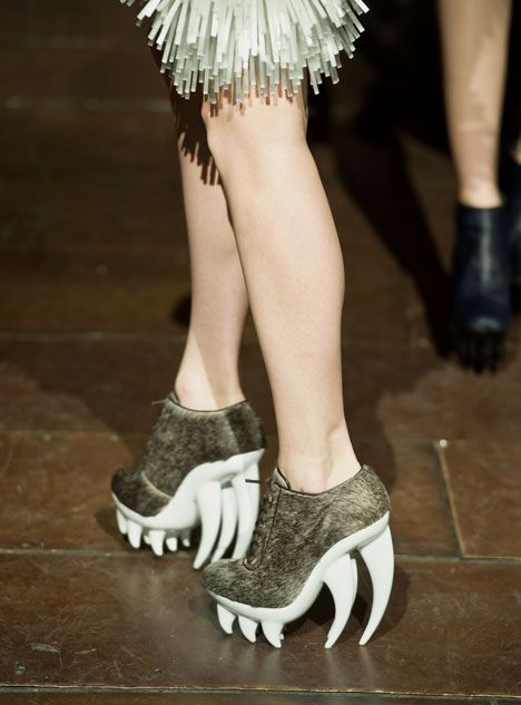 Fang by Iris van Herpen and United NudeGolf Shoes, Iris Vans Herpen, Wedges Shoes, Iris Van Herpen, Shoes Art, Carbon Fiber, Haute Couture, United Nude, Fangs Shoes
