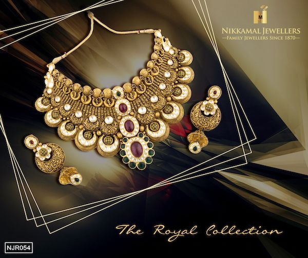 This Beautiful Gold set with highlights of Kundan makes sure you are in the Spotlight at all times! Buy this beauty at Nikkamal Jewellers Ludhiana & Jalandhar Showrooms. #NikkamalJewellers #Gold #Diamond #Polki #Kundan #Platinum #Watches