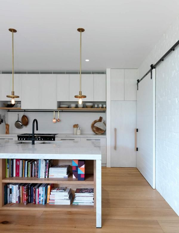 With its simple elegance and sense of modest luxury this family home at Bondi is just about per...