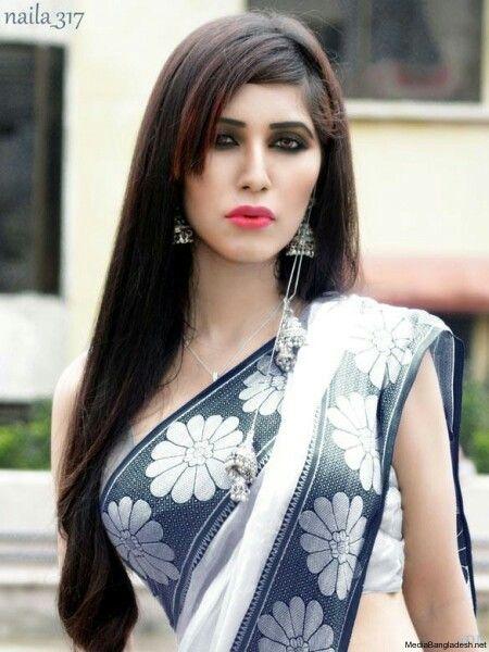 Bangladeshi girls look more beautiful in Sari
