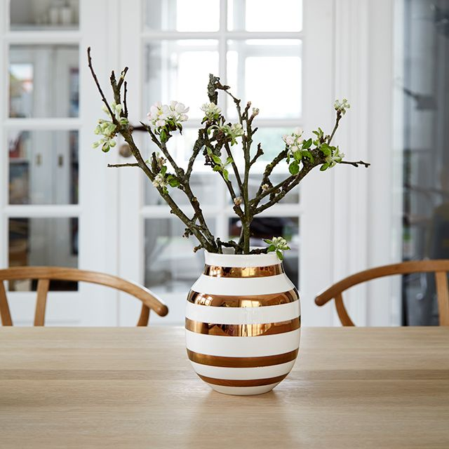 Omaggio Anniversary Vase Brass Medium
