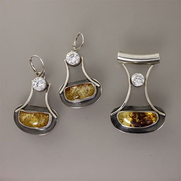 Amber earrings and pendant.