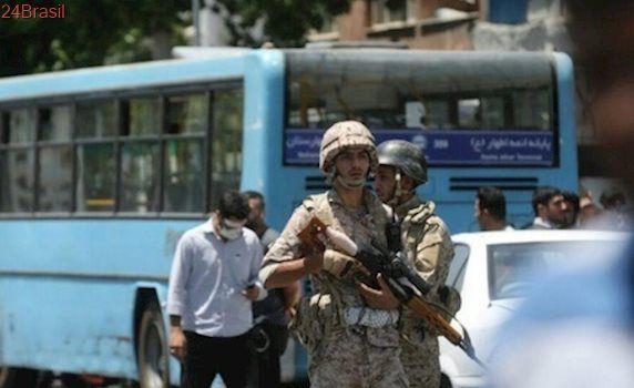 O que se sabe sobre os ataques ao Parlamento iraniano e ao mausoléu do aiatolá Khomeini