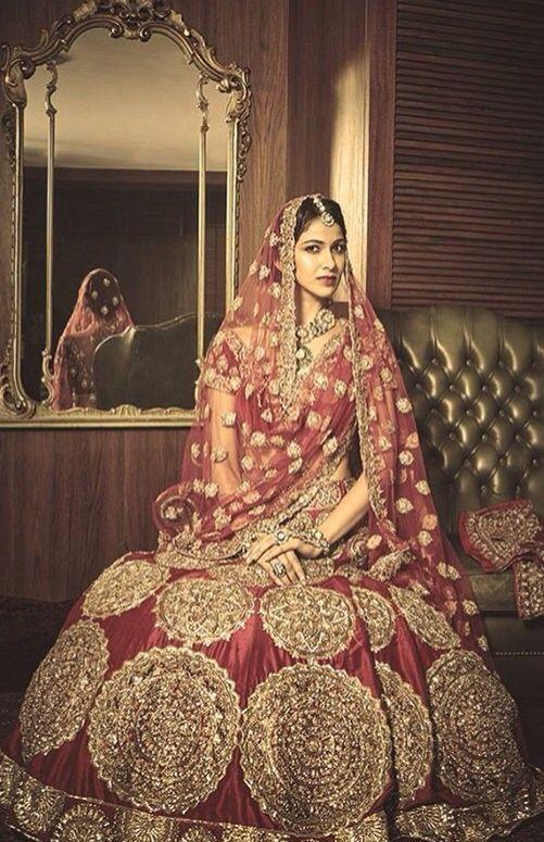 Beautiful Bridal Lehenga By Manish Malhotra