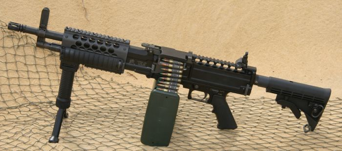 Stoner 96 / Knights LMG light machine gun