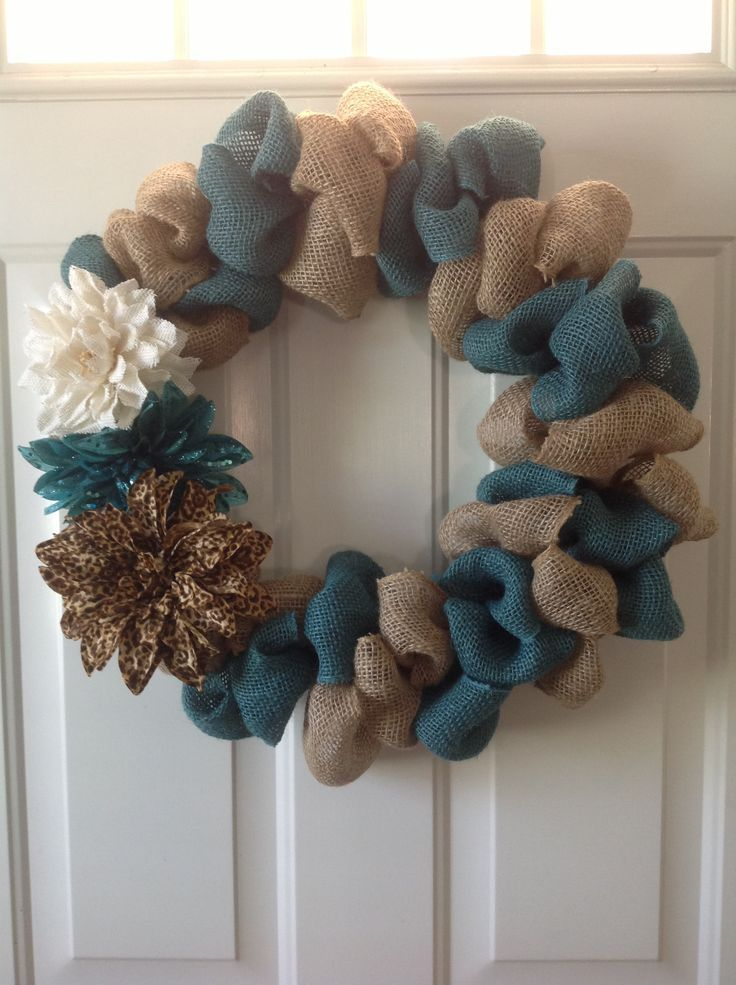 Burlap wreath two toned bubble burlap wreath diy for Crafts to make with burlap