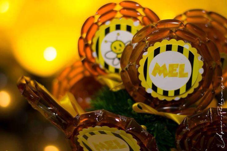 Pirulitos de mel , festa abelhinha | Poà Festas | Pinterest