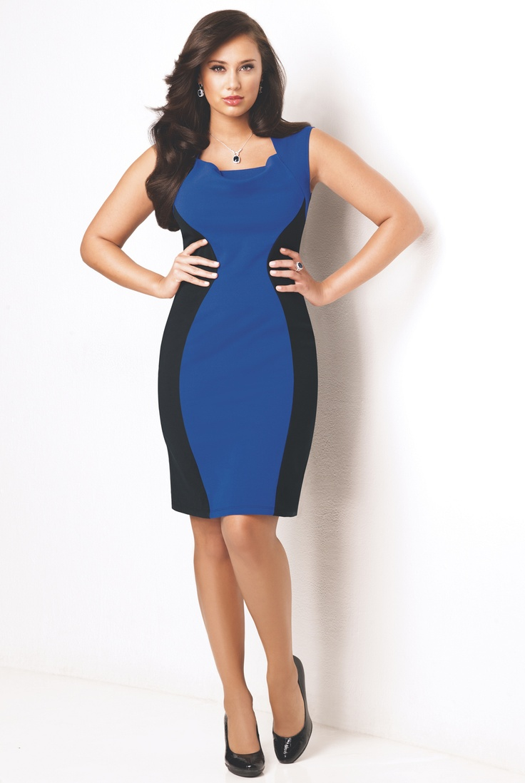 Con este milagroso traje...¡luce más delgada, más curvas, más sensual! El Define Your Shape Dress es un  vestido para estilizar la figura. Cuello  cuadrado revestido con pliegues.  Paneles laterales en color negro  para lucir más esbelta. De algodón/  poliéster con spandex.     —no solo favorece tu figura, la mejora  —te brinda una cintura escultural    ¿Que esperas? Búscalo en la campaña 18 de 2012 a $29.99.
