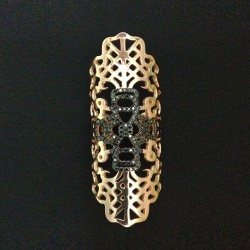 Δαχτυλίδι από χρυσό Κ18 με μαύρα διαμάντια!