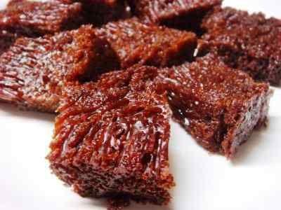 Bolu Karamel - Disini ada aneka cara membuat video resep bolu karamel sarang semut gula merah panggang atau kukus tanpa mixer telur ncc yang paling enak serta lembut.