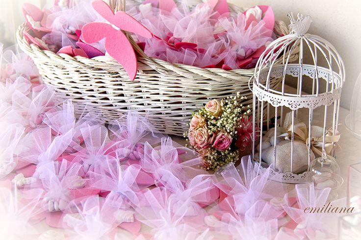 L'alternativa: Bomboniere, fiori di carta e pon pon per il battesimo di Elena