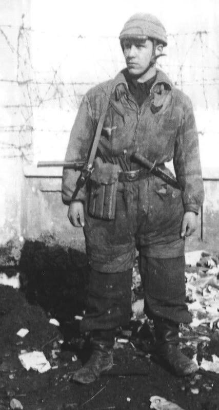 Italian paratrooper german camo