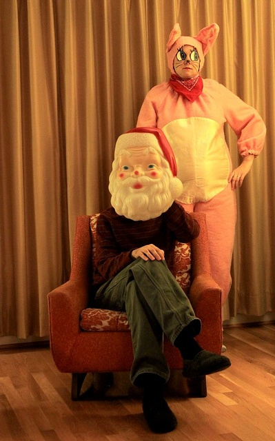 Now THAT's a photo of pure Kitschy-ness - Eartha Kitsch that is and her hubby Mr. Santahead.