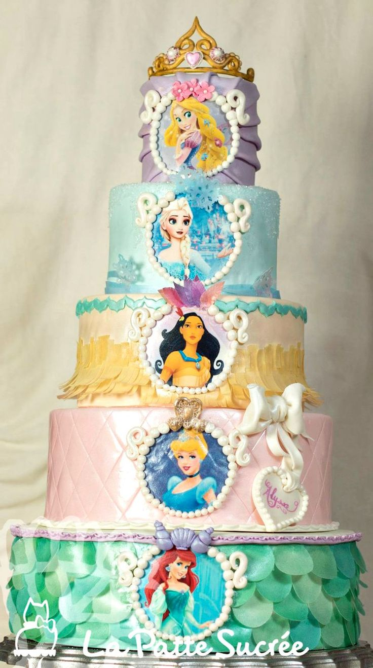 Este pastel de princesas luce espectacular!!