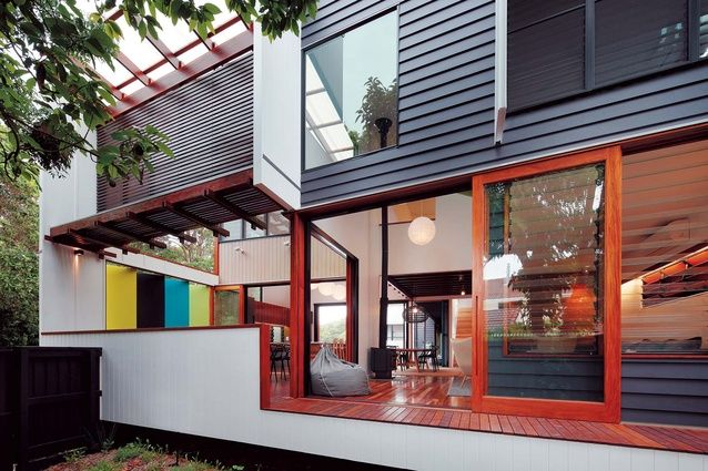 House on Brisbane's Stradbroke Island by architect Shaun Lockyer  |Shared by Sparano + Mooney Architecture|