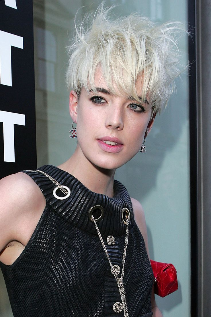 50 Of The All Time Best Celebrity Pixie Cuts Head And