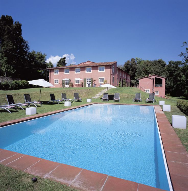 Novedieci Lucca, Pisa & Lunigiana Sleeps up to 20. Spacious, stylish and superbly presented, this luxury villa in Tuscany is perfect for special occasions and big get-together's. Set in lawned gardens and just 5km from the beautiful town of Lucca.