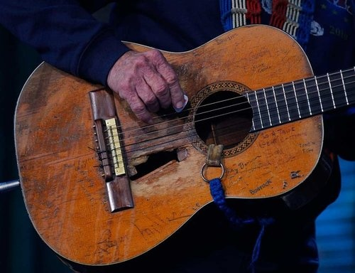 willie nelson 39 s guitar it 39 s a marlin n 20 nylon string acoustic guitar he purchased in 1969 for. Black Bedroom Furniture Sets. Home Design Ideas
