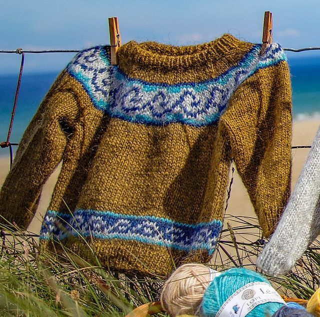 Ravelry: Fjord pattern by Sarah Berry